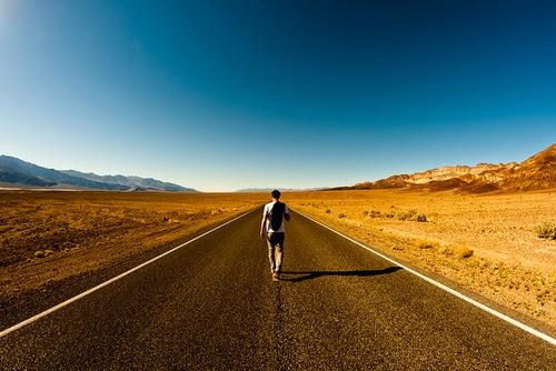O caminho se faz ao caminhar