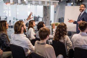 O que deve ser levado em conta para contratar uma empresa de treinamento in company?